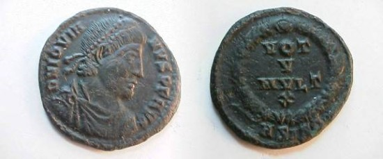 Jovian Æ3 20mm. 363-364 AD. Pearl-diademed, draped & cuirassed bust right / VOT V MVLT X,