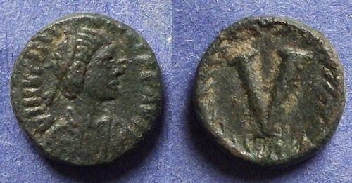 Ancient Coins - Byzantine Empire, Justinian 527-565, 5 Nummi