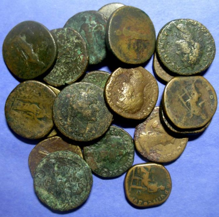 Ancient Coins - Roman Empire, 19 Sestertii ,