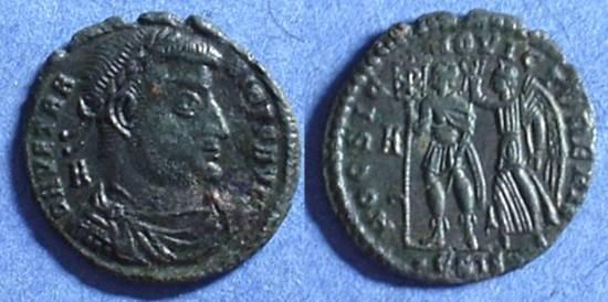 Ancient Coins - Vetranio 350AD - Centenionalis - HOC SIGNO VICTOR ERIS reverse