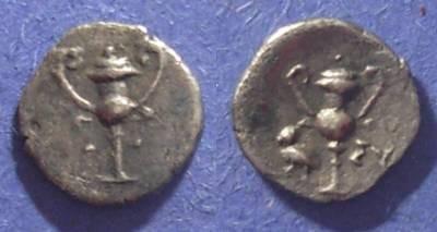 Ancient Coins - Taras, Calabria Circa 250 BC, Obol
