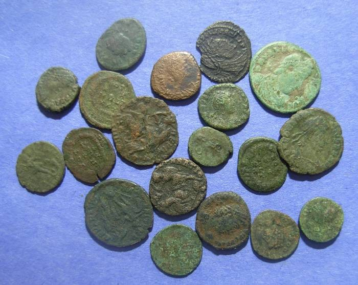 Ancient Coins - Roman Empire, 19 Bronze coins Constantine and later, AE3 & 4