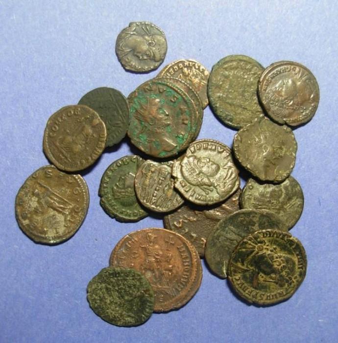 Ancient Coins - 20 Roman AE Coins,  Circa 260 to 400,