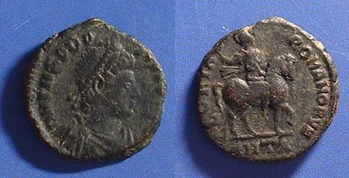 Ancient Coins - Theodosius 379-395 AD - AE3 - Emperor on horseback