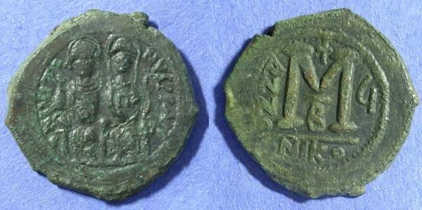 Ancient Coins - Byzantine Empire - Justin II 565-578AD - Follis
