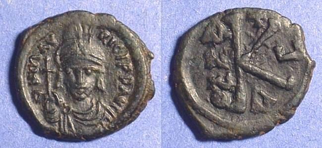 Ancient Coins - Maurice Tiberius 582-602AD - 1/2 Follis - Choice portrait