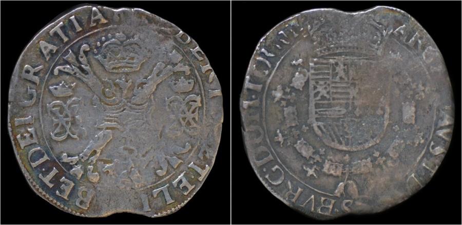 World Coins - Soutnern Netherlands Tounai Tournai Albrecht & Isabella patagon no date
