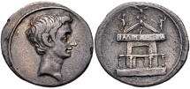 The Triumvirs. Octavian. Autumn 30-summer 29 BC. AR Denarius (20mm, 3.56 g, 11h). Italian (Rome?)