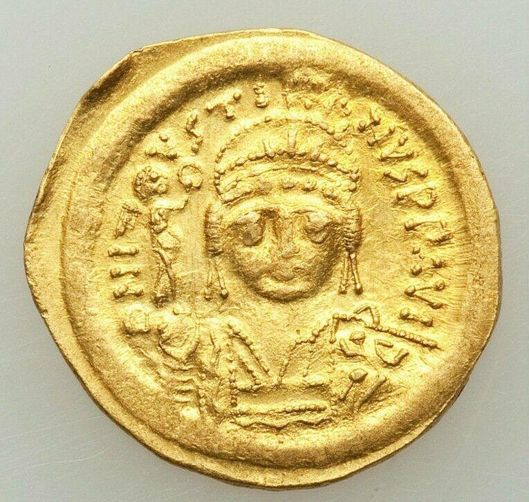 Ancient Coins - Justin II (AD 565-578). AV solidus (21mm, 4.48 gm, 6h). XF,  Constantinople,