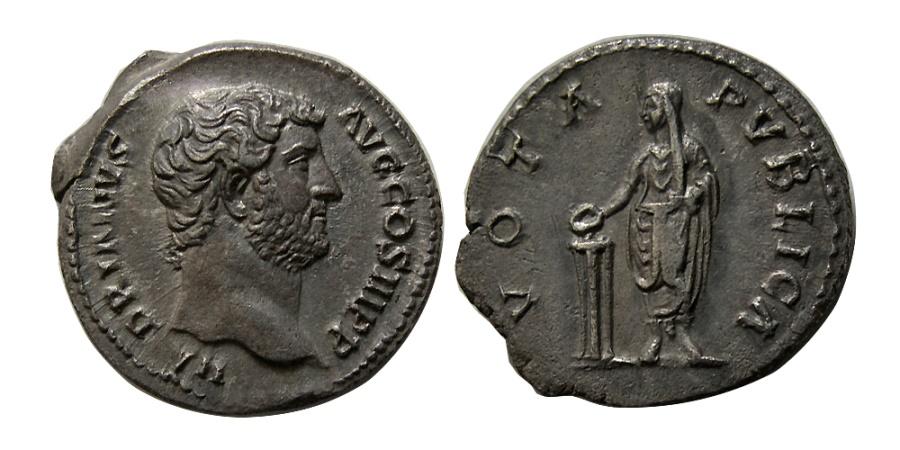 Ancient Coins - ROMAN EMPIRE. Hadrian. 117-138 AD. AR Denarius.  Elegant style.