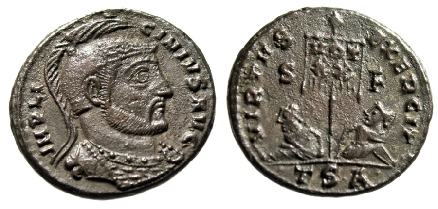 "Ancient Coins - Licinius I ""VIRTVS EXERCITI Captives, Vexillum"" Thessalonica RIC 76 Scarce nEF"