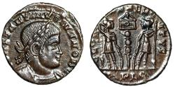 """Ancient Coins - Constantine II AE15 """"GLORIA EXERCITVS Soldiers, One Standard"""" RIC 286 Rare EF"""