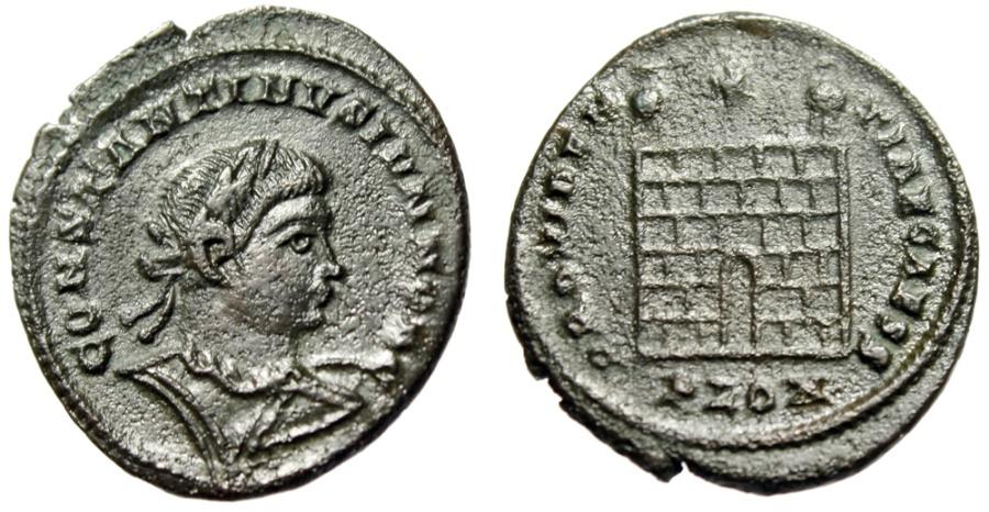 "Ancient Coins - Constantine II AE20 ""PROVIDENTIAE CAESS Campgate"" London (Londonium) RIC 296"
