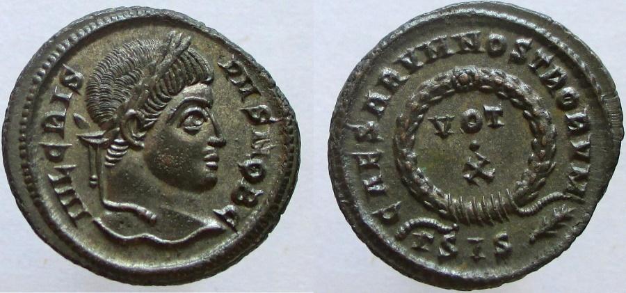 Ancient Coins - CRISPUS Caesar, 317-326 AD. Æ Follis, CAESARVM NOSTRORVM - VOT/X.