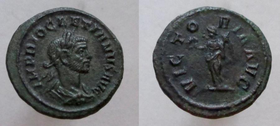 Ancient Coins - DIOCLETIAN. 284-305 AD. Æ Quinarius. VICTORIA AVG.