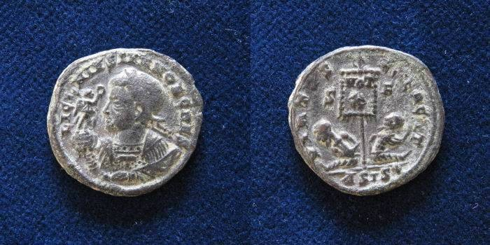 Ancient Coins - Licinius II. Caesar, AD 317-324. Æ Follis (19mm.3.8gr).