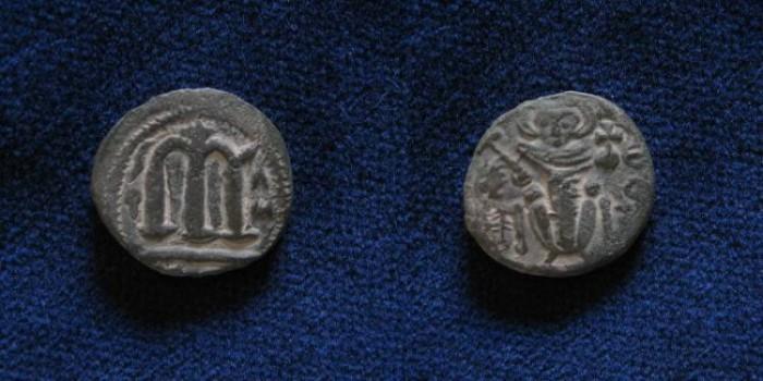 Ancient Coins - ISLAMIC, Umayyad Caliphate. Uncertain period (pre-reform). AH 41-77 / AD 661-697. Æ Follis.