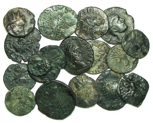 Ancient Coins - Lot of 17 local imitations (barbarous radiates) - imitating Tetricus I / II and Claudius II
