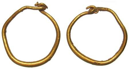 Ancient Coins - Beautiful pair of early Roman Gold Earrings