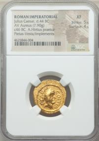 Ancient Coins - JULIUS CAESAR as DICTATOR, 49-44 BC. (AV AUREUS 7.90g 20.7mm 3h) [NGC XF 5/5-4/5]