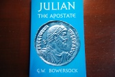 Ancient Coins - JULIAN THE APOSTATE BY G.W. BOWERSOCK 1978 (135 PAGES) PAPERBACK VERY GOOD CONDITION