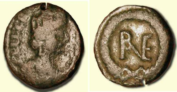 World Coins - Theodoric the Great . King of the Ostrogoths 488 - 526  AD . AE Decanummium .