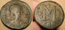 World Coins - Byzantine . Anastasius I . 491 - 518 AD . AE 34mm Follis .