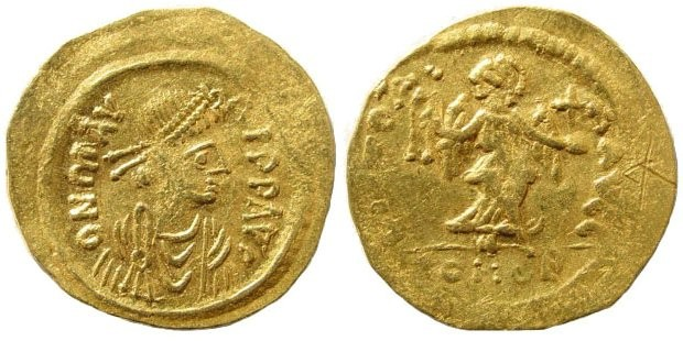 Ancient Coins - Maurice Tiberius. 582-602 AD. AV Semissis (2.14 gm). Constantinople mint. SB 485; DO 12a