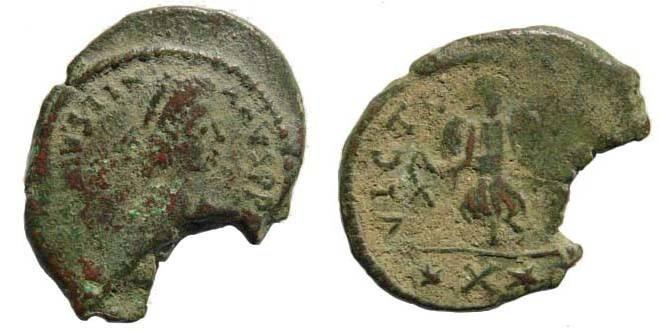 Ancient Coins - Justinianus I, 527-565 AD. AE Decanummium (4.46 gm. 24.13 gm.). Carthage Sear 271; MIB 200