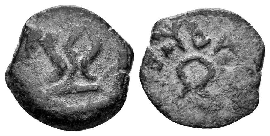Ancient Coins - Judaea, Herodians. Herod I the Great. 40-4 BC. AE Prutah (1.00 gm, 14mm). Jerusalem mint. Hendin 1182