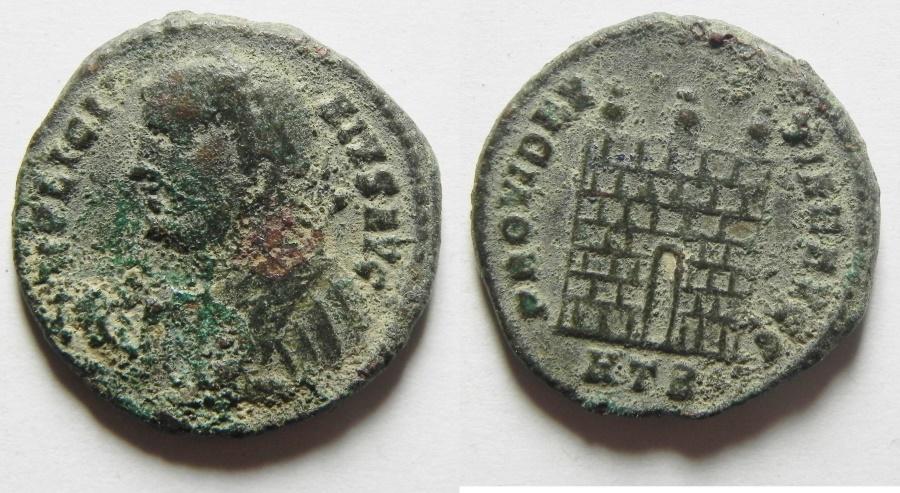 Ancient Coins - LICINIUS I AE 3 , NICE CAMP GATE