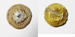 ANCIENT ROMAN GOLD INLAY OR BEZEL WITH GLASS. 100 - 200 A.D