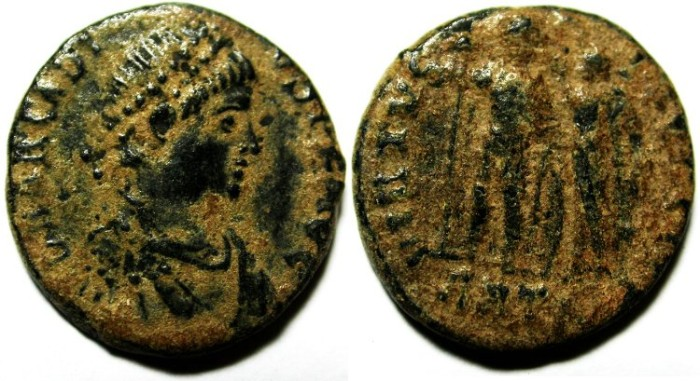 Ancient Coins - ARCADIUS AE 3 , AS FOUND