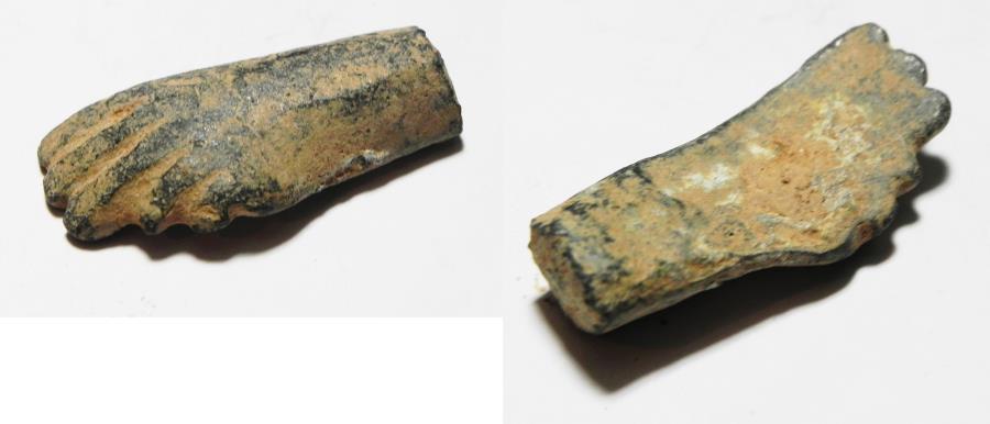 Ancient Coins - ANCIENT ROMAN BRONZE HAND. 100 - 200 A.D