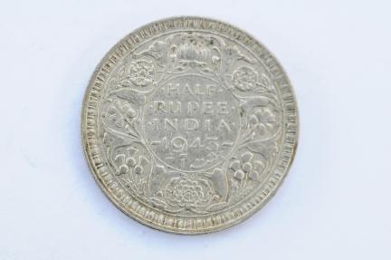 World Coins - India British 1/2 Rupee 1943  XF