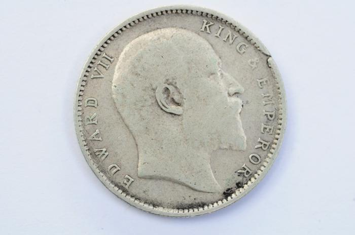 World Coins - India British Silver Rupee 1905 (c)  VF