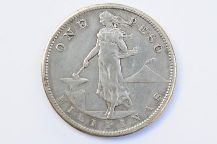 World Coins - Philippines Silver Peso 1907 S  VF