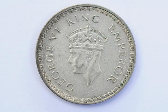 World Coins - India British Silver Rupee 1943  XF
