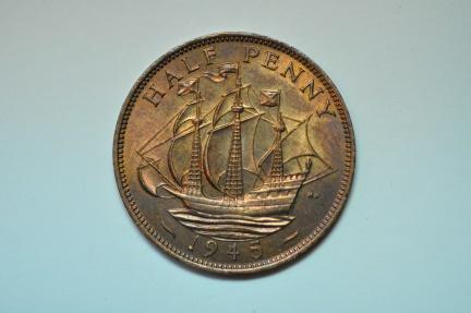World Coins - Great Britain; Half Penny  1945  BU
