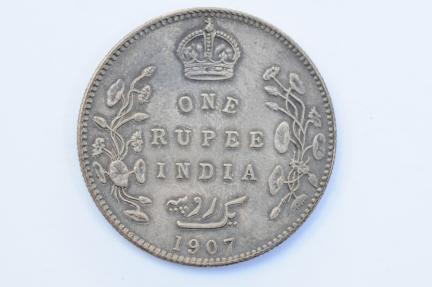World Coins - India British Silver Rupee 1907 (b)  XF