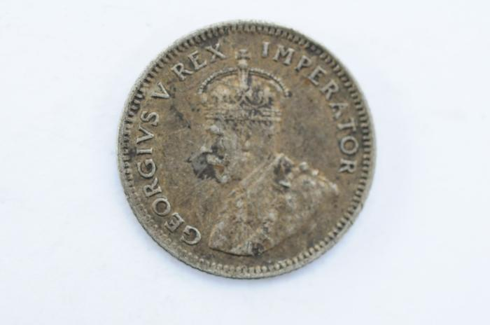 World Coins - South Africa 6 Pence 1927  XF-
