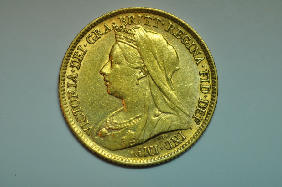 World Coins - Great Britain; Gold 1/2 Sovereign 1899  XF+/AU