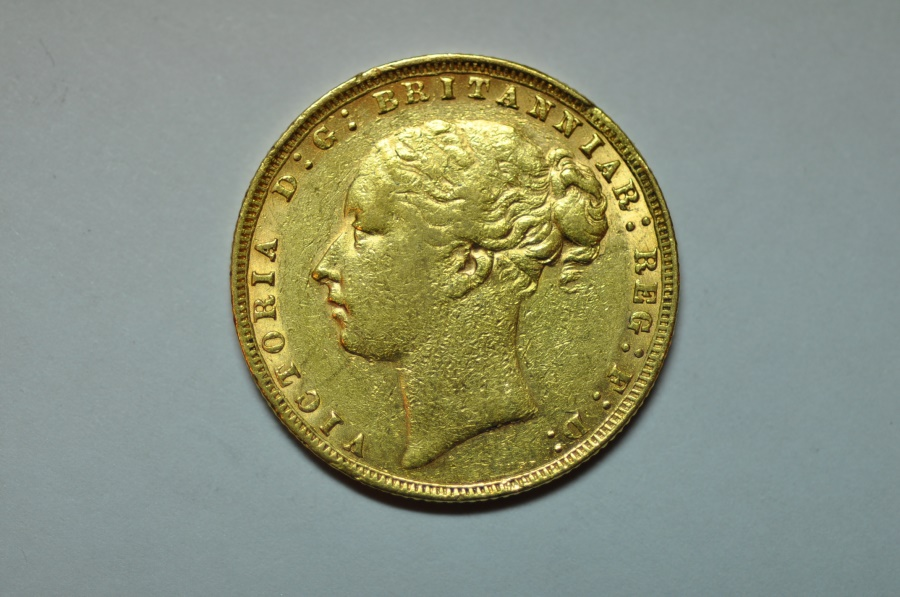 World Coins - Great Britain; Gold Sovereign 1876  XF