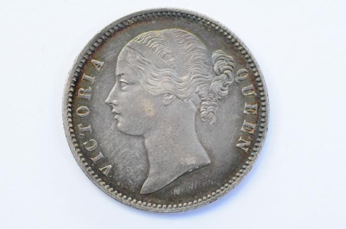 World Coins - India British Silver Rupee 1840 toned AU