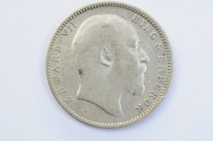 World Coins - India British Silver Rupee 1904  VF