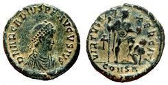 Ancient Coins - ARCADIUS AE2 (Maiorina). EF-/VF+. Avgvsivs. VIRTVS EXERCITI. Cross.