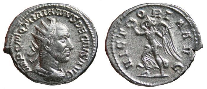 Ancient Coins - TRAJAN DECIUS AR Antoninianus. EF-/VF+. VICTORIA AVG.