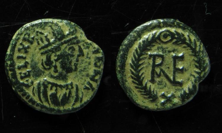 World Coins - OSTROGOTHS. temp. Theoderic. 493-518. Æ Decanummium (16mm). Ravenna mint.