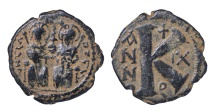 JUSTIN II AE HALF FOLLIS. 20 NUMMI. Mint of Theoupolis (Antioch). 576 AD EF for this issue. SCARCE