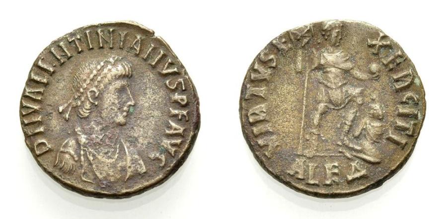 Ancient Coins - VALENTINIAN II., VIRTVS EXERCITI